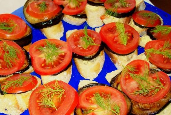 Tierleidfrei genießen: Auberginen-Tomaten-Baguette