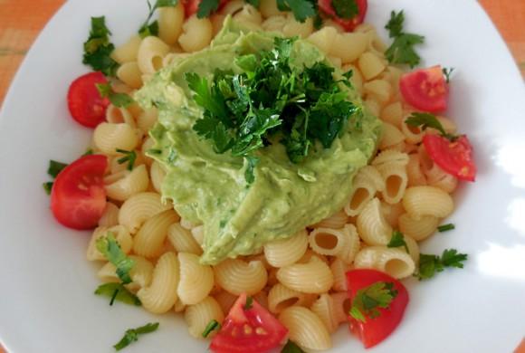 Tierleidfrei genießen: Avocado-Creme