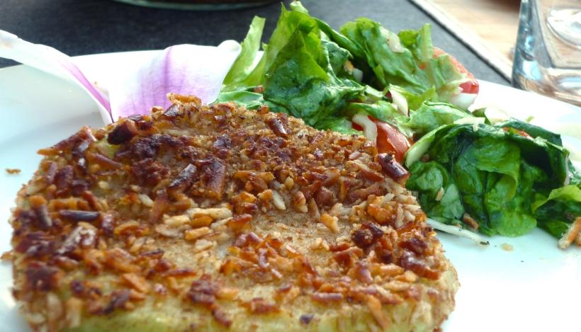 Tierleidfrei genießen: Kohlrabischnitzel mit Salzbrezlpanade