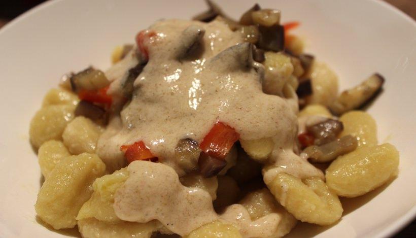 """Tierleidfrei genießen: Gnocchi in """"Käse""""soße"""