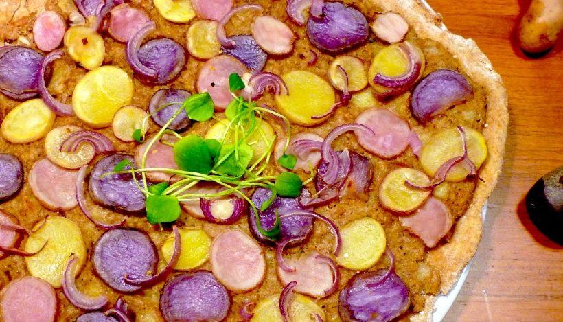 Tierleidfrei genießen: Bunte Kartoffelpizza