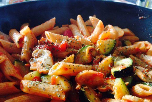 Tierleidfrei genießen: Einfache Pilz-Zucchini-Pasta!