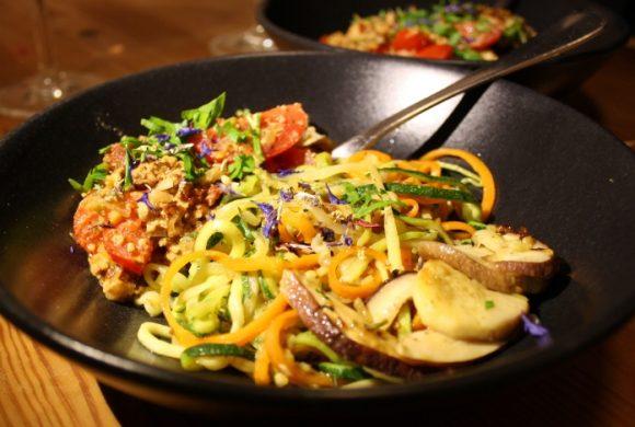 Tierleidfrei genießen: Zucchini-Karotten-Pasta